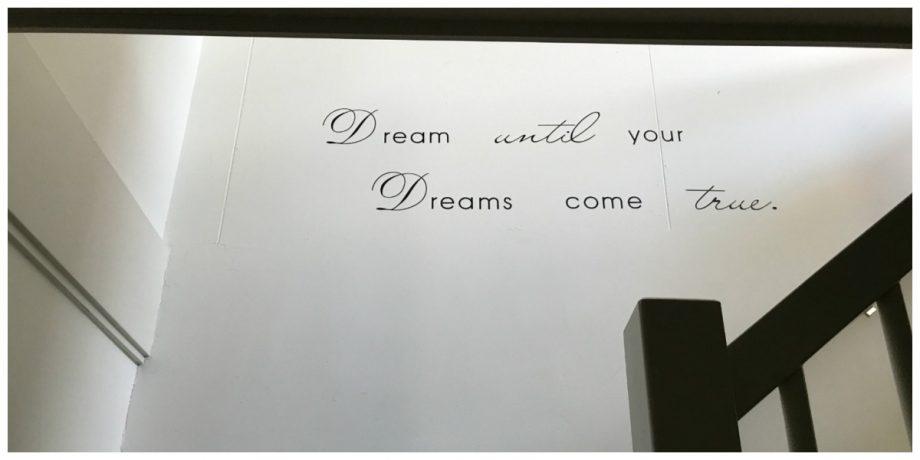 Wat doe je met een saaie witte muur muursticker decoratie makkelijk je interieur veranderen - Hoe kleed je een witte muur ...