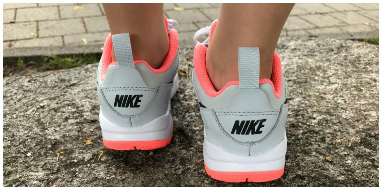 OOTD een jurkje met sneakers