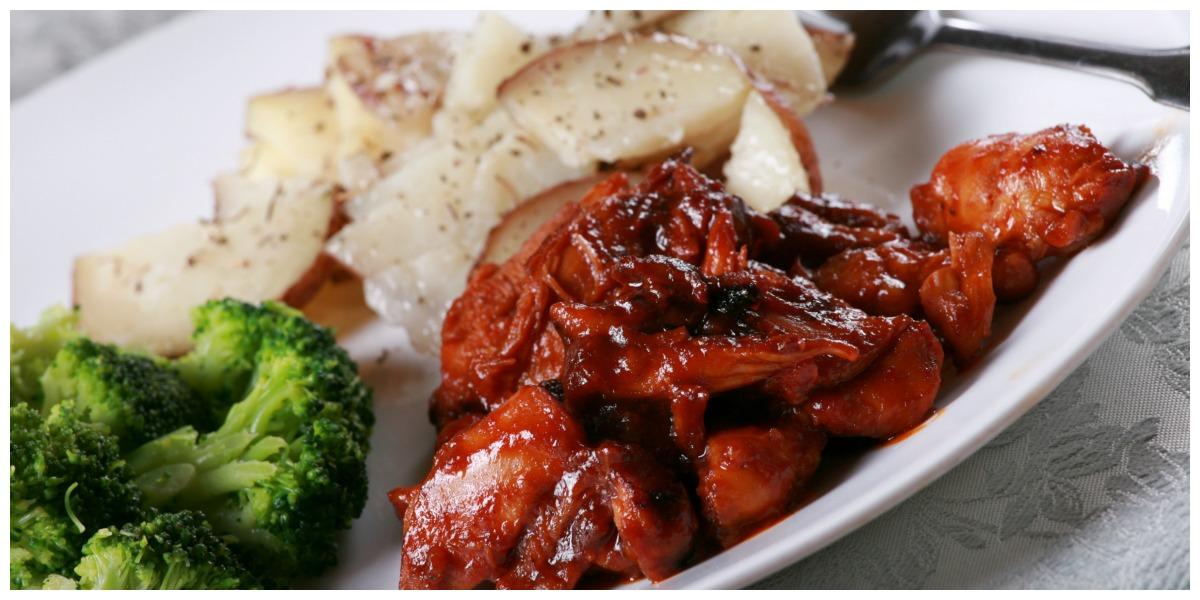 Sticky Mexican Chicken broccoli en aardappeltjes