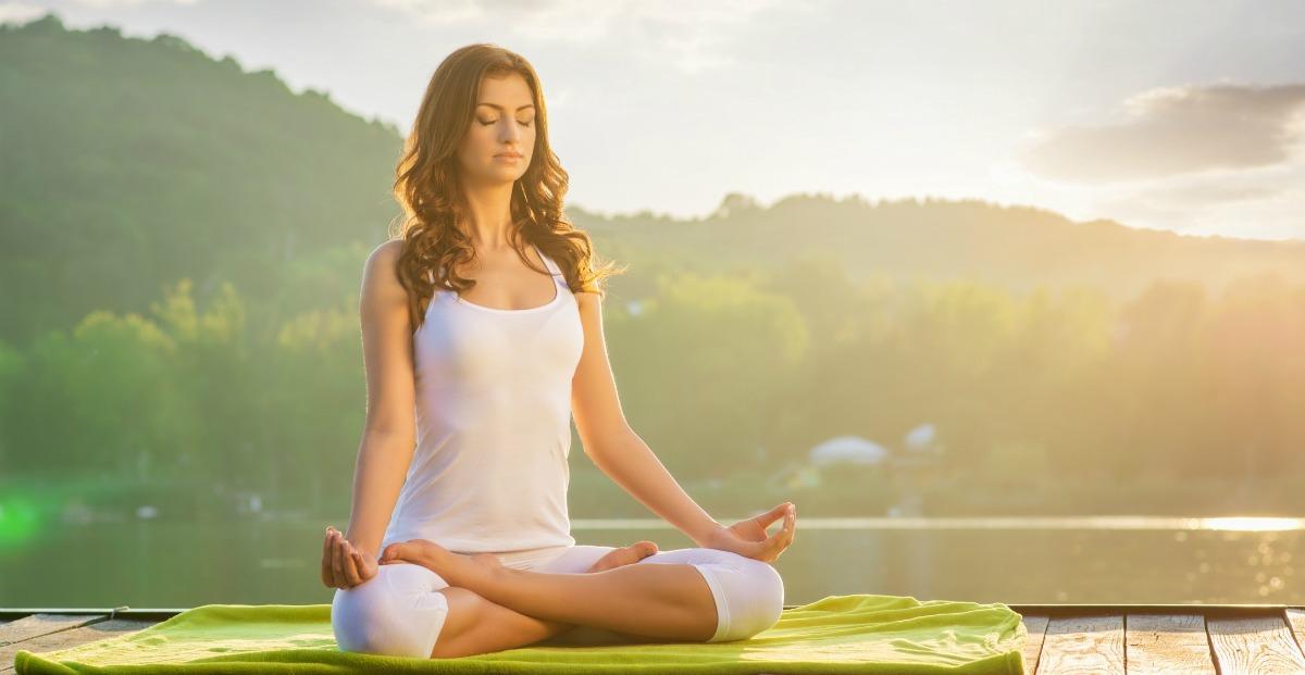 Tips en oefeningen voor een betere houding meditatie ontspannen yoga