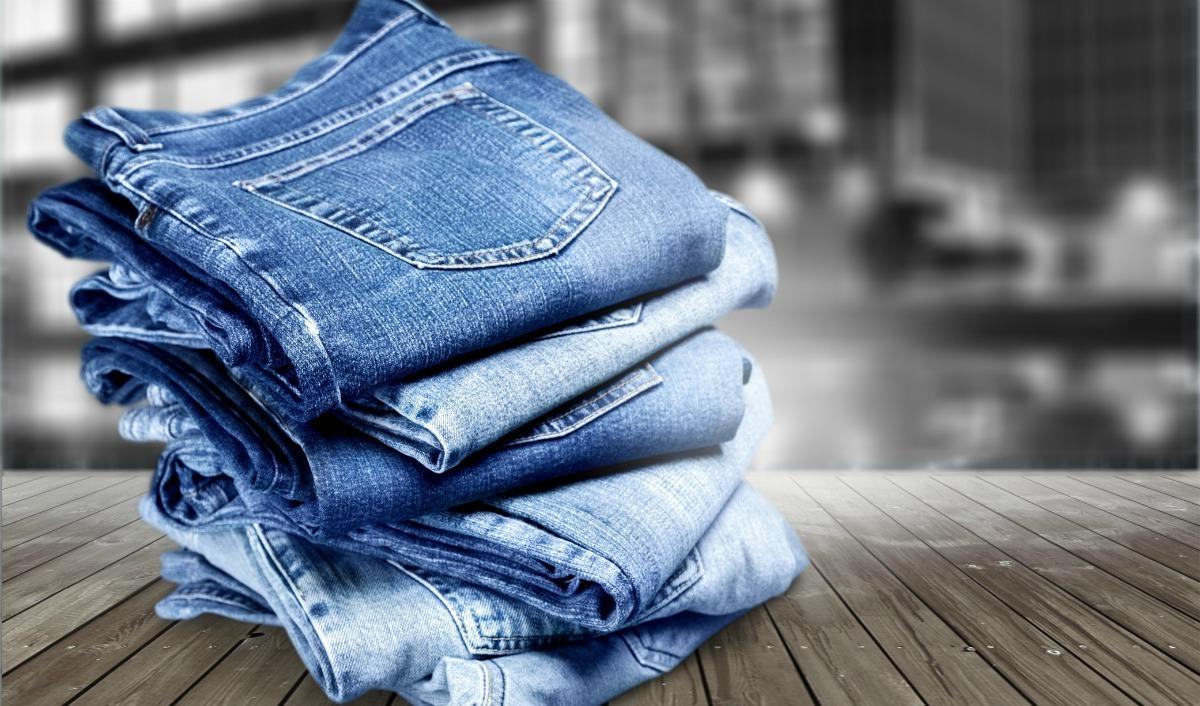 Vouwen van je spijkerbroeken, 4 tips voor het organiseren van je kleding