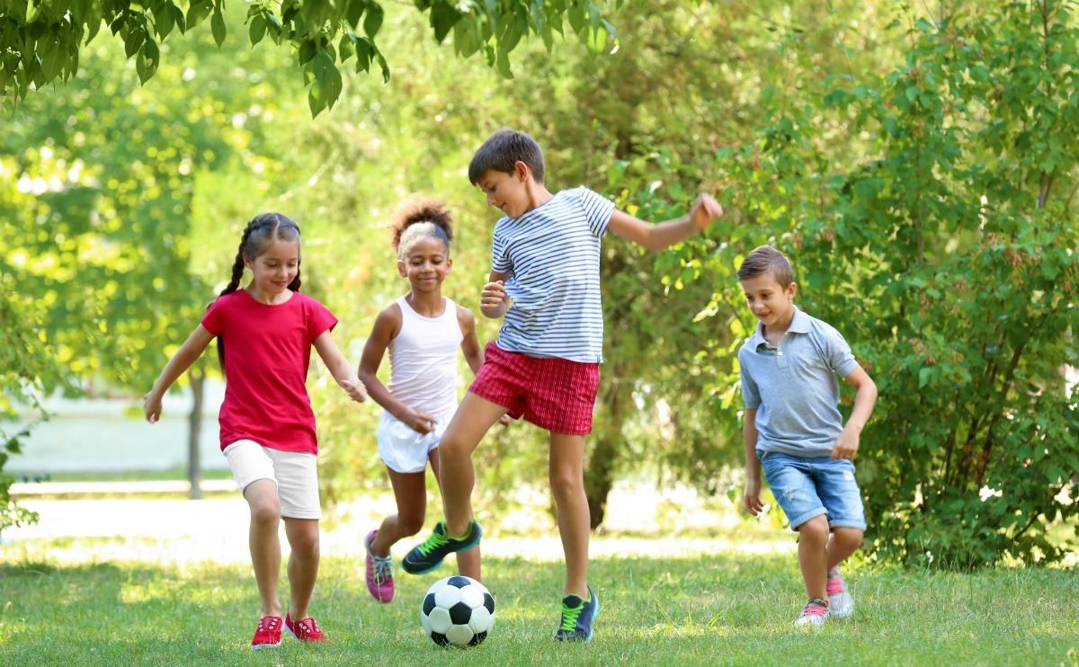 Wanneer buiten spelen met kinderen in de buurt, Buiten spelen met kinderen
