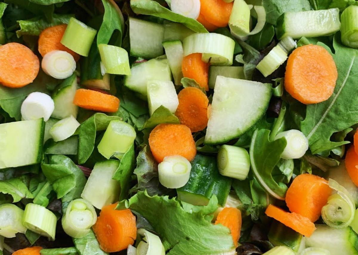 frisse salade met kipgehaktballetjes