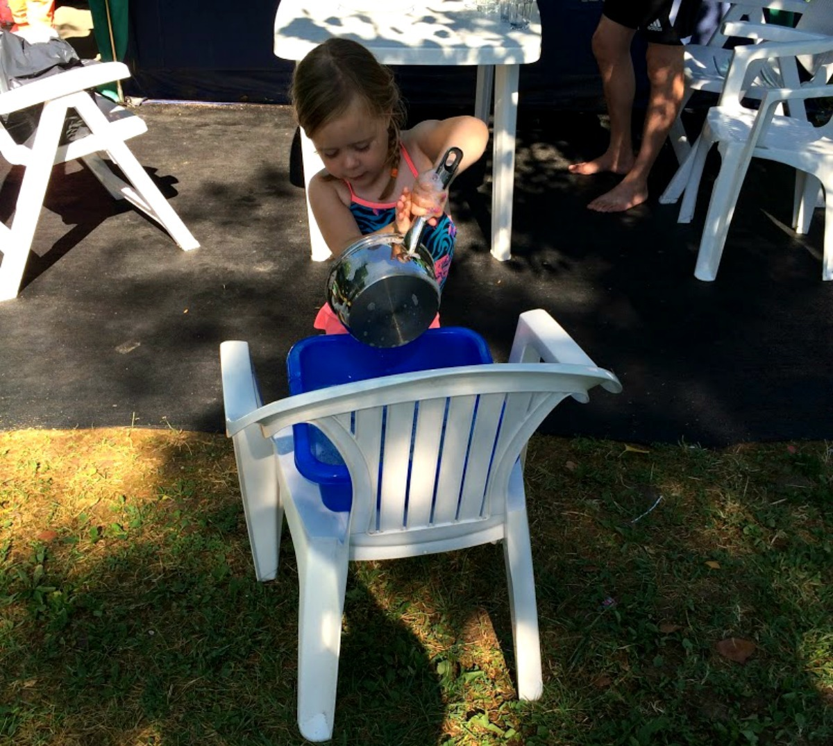 Kamperen met kinderen, afwassen op de camping, camping vakantie italie