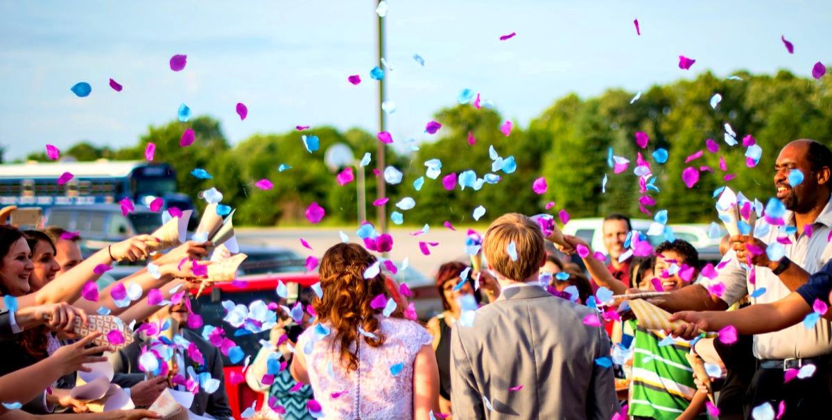 Extraatjes op een stijlvolle bruiloft met kleur