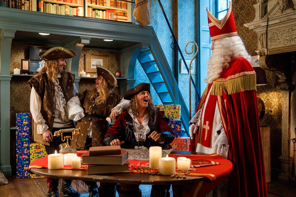 """Sinterklaas en """"de geheime schatkamer"""", Goedheiligman, Sinterklaasavond"""