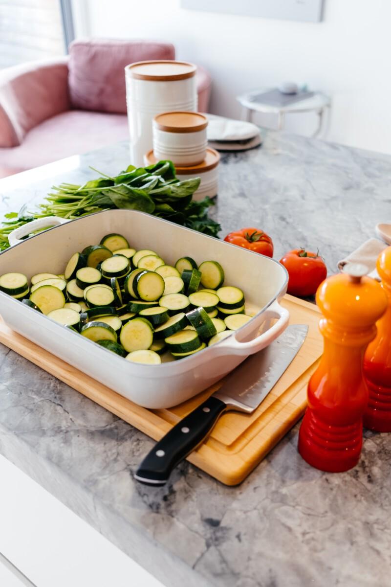 oven courgette groenten en kip